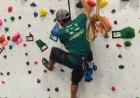 Cross training… Indoor climbing with  @georgeokinaka & fellow #runners ^_^ #origin #climbinggym [instagram]