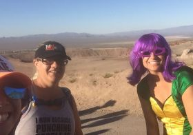 A day at the races wouldn't be complete without… SELFIES! lol #trailrunningvegas #trailjunkies #bootlegbeatdown #beyondvegas #stonebrewingco [instagram]
