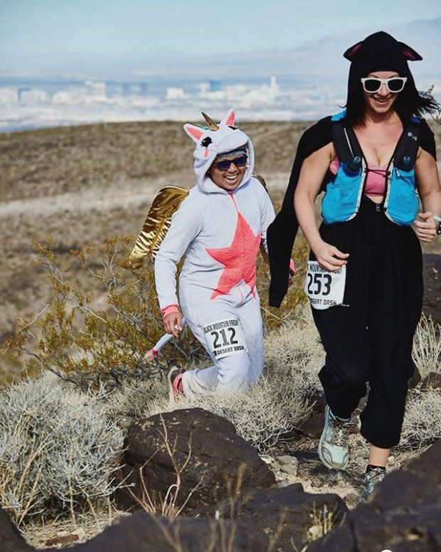 Reason 198 why I  running @desertdashtrailraces : Free race photos! #trailrunningvegas #bmf