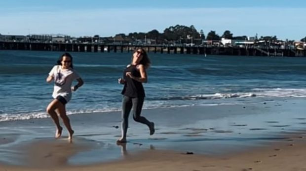 ...and on the day after our 50km, the sweet release of death (on the beach)  Best with  &  Starring @wining__runner @sandra.beaver.39 @beth808702 @runnergirllife26.2 Directed by me lol #ultrarunningmemes @ultrarunningmemes