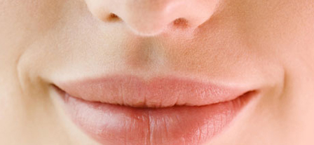 Методы удаления волосков над верхней губой – технологии на страже красоты
