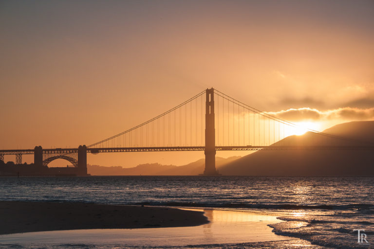 Golden Gate Bridge im goldenen Licht