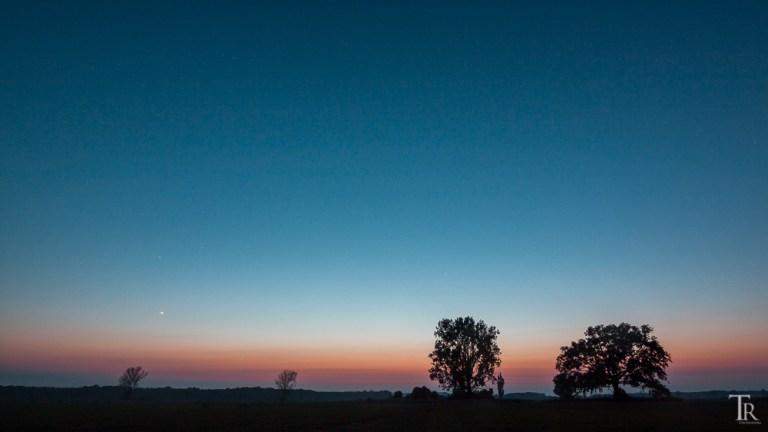 04. Juni: Milchstraße in Mitternachtsdämmerung