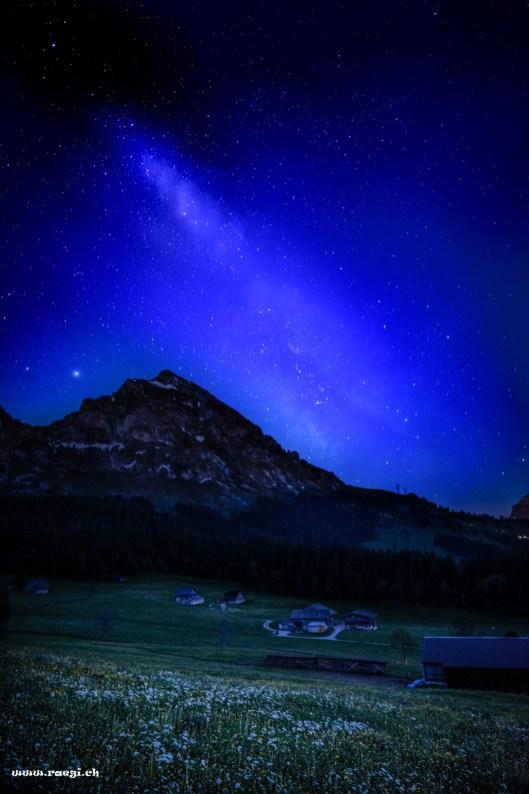 Fronalpstock im Glarnerland in der Nacht