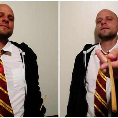 Harry Potter Countdown: Hogwarts Gryffindor Tie Tutorial