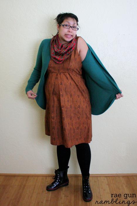 Cute maternity dress - Rae Gun Ramblings