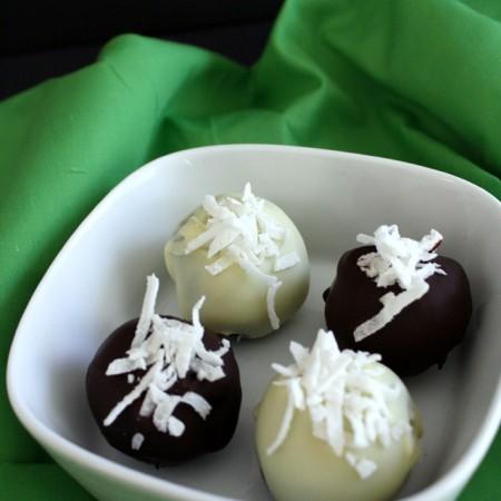 Delicious coconut OREO truffles recipe - Rae Gun Ramblings