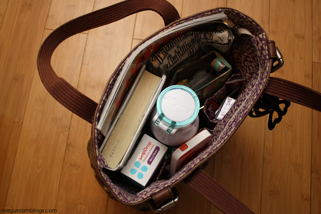 What to pack in your bag when you travel - Rae Gun Ramblings