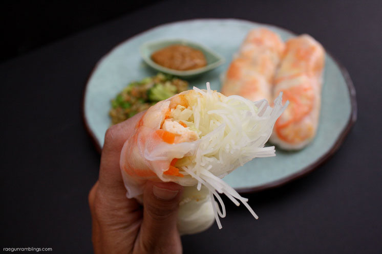 Great healthy fresh spring rolls recipe. Perfect for Summer eating. No heat required.