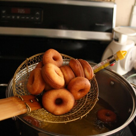 how to make mini donuts at home. great recipe