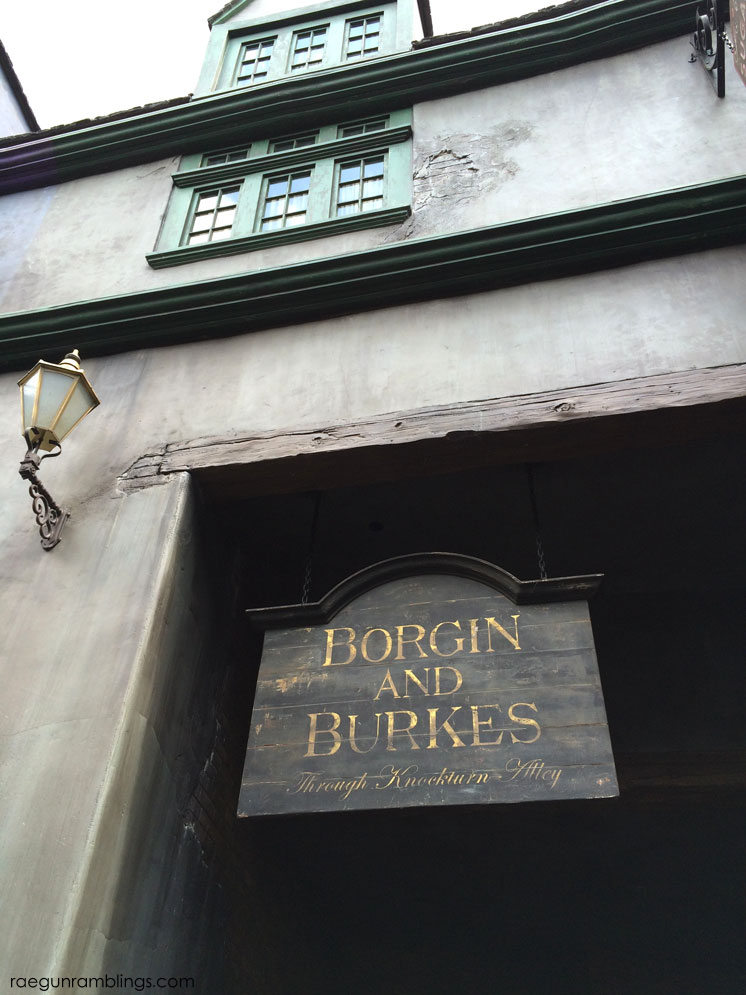 Borgin and Burkes at the Wizarding World of Harry Potter tour through pictures