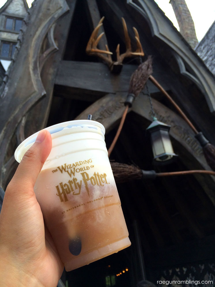 What to eat at Universal Orlando - Frozen butterbeer at the wizarding world of harry potter and the three broomsticks
