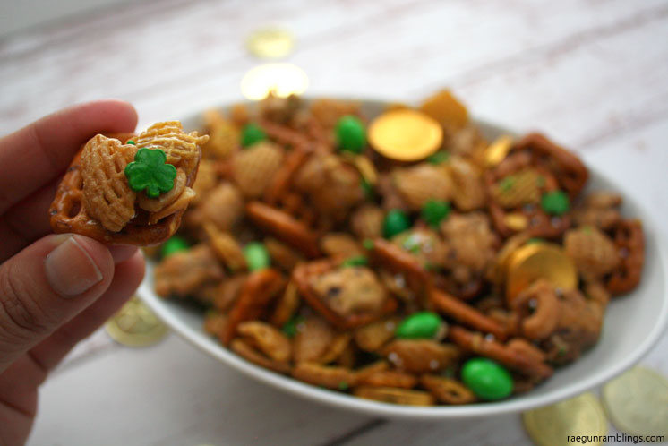 St. Patrick's Day Chex Mix Recipe - such a fun and easy treat! Recipe at www.overthebigmoon.com!