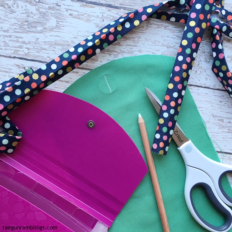 DIY fabric coupon holder great for Dave Ramsey fans with sewing tutorial