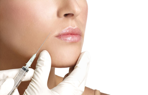 Labbra carnose e naturali? La chirurgia estetica propone il Permalip