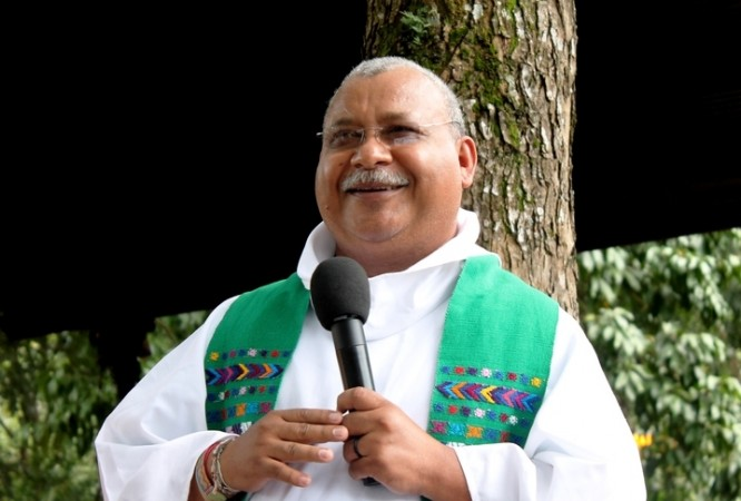 STRONG PUBLIC VOICE: 'If you don't see things from the viewpoint of the groups whose rights are being constantly violated and whose freedom of expression has been taken from them, then tell me: where is the Christian gospel?', says Padre Melo. Joksan Flores/Radio Progreso-ERIC