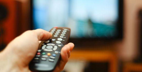 must carry 2019, kirk douglas, filme la tv, telecomanda, tv, filme, recomandari de filme