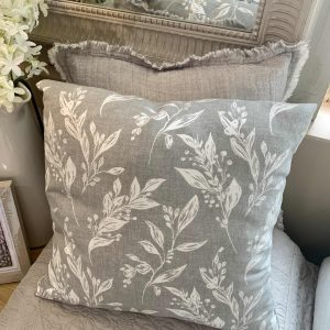 Ragdoll Home Grey Floral Cushion – Grey/white