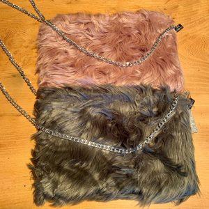 Shaggy Faux Fur Clutch Bag – Grey