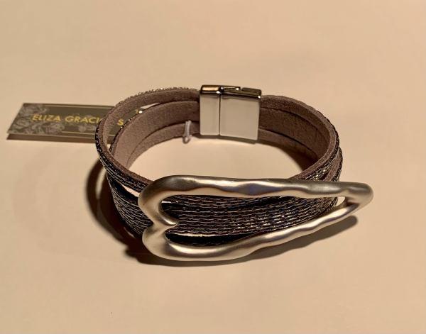 Leather Bracelet with Large Heart – Gunmetal