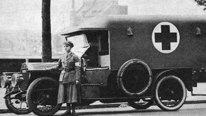 Miss Donnnett Paynter with ambulance WW1