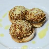Funghi ripieni di quinoa e parmigiano