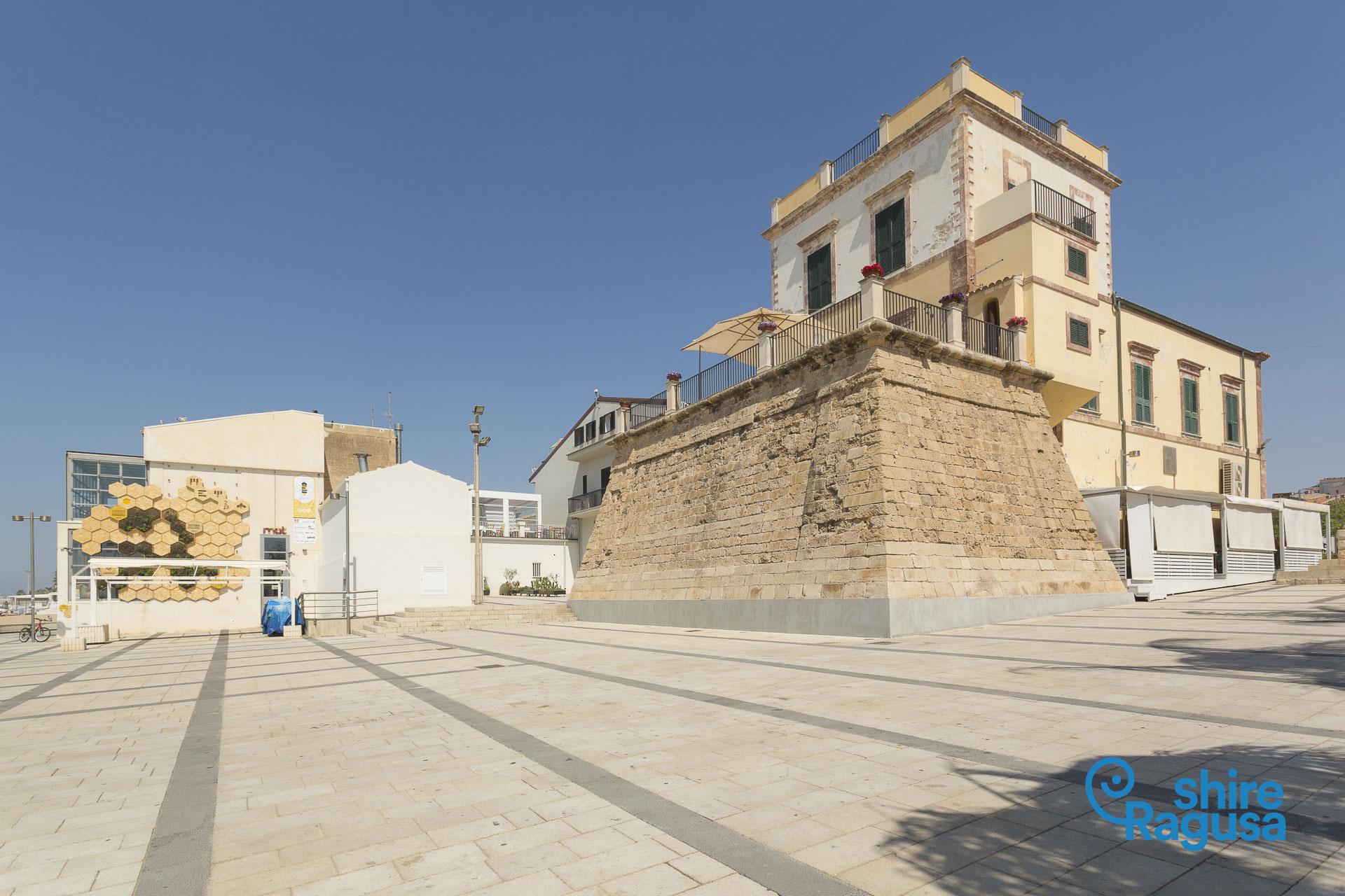 Marina di Ragusa-Piazza Torre