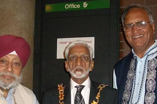 Poet Gulzar Singh Amrit, Mayor of Reading Mr Gul Khan, and Rahi Bains at a variety show, Hexagon Centre, Reading, UK