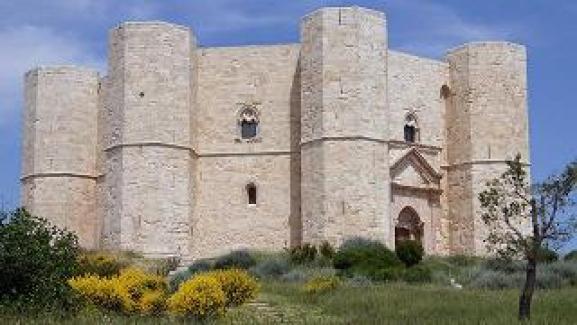 Risultati immagini per castel del monte rai
