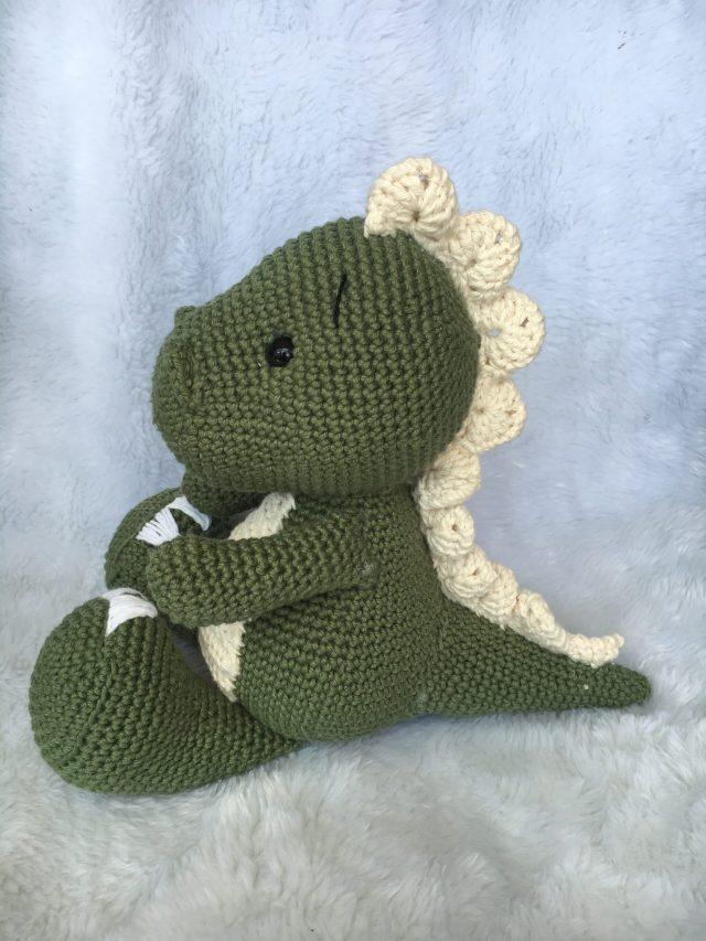 Dinossauro amigurumi Verde escuro