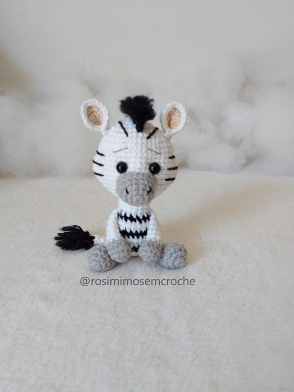 Zebra Amigurumi Baby Frente_ Rosi Barros