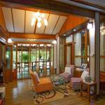 11-tropical-family-cottage-007