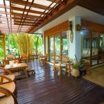 11-tropical-family-cottage-010