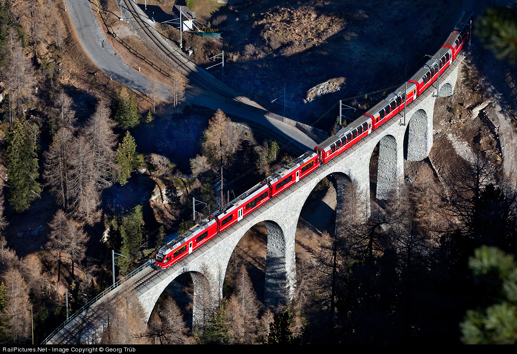 https://i1.wp.com/www.railpictures.net/images/d1/9/3/8/3938.1321208612.jpg
