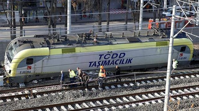 tcddden raydan cikan trenle ilgili aciklama