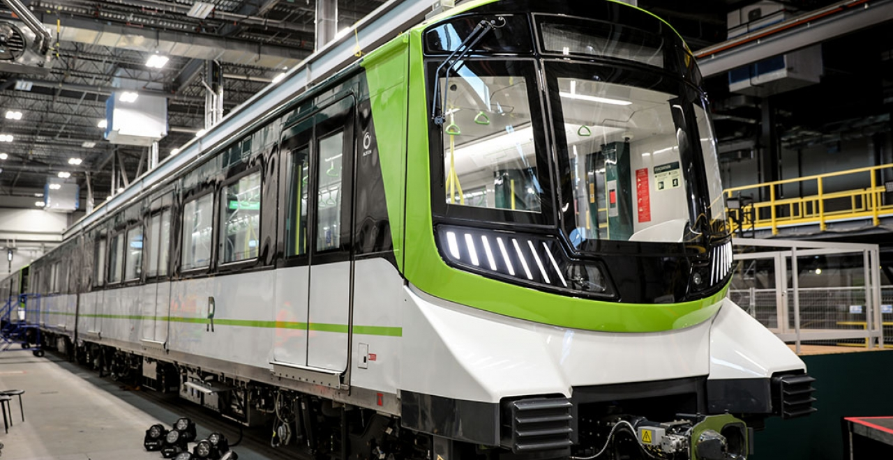 rem light rail vehicle for montreal