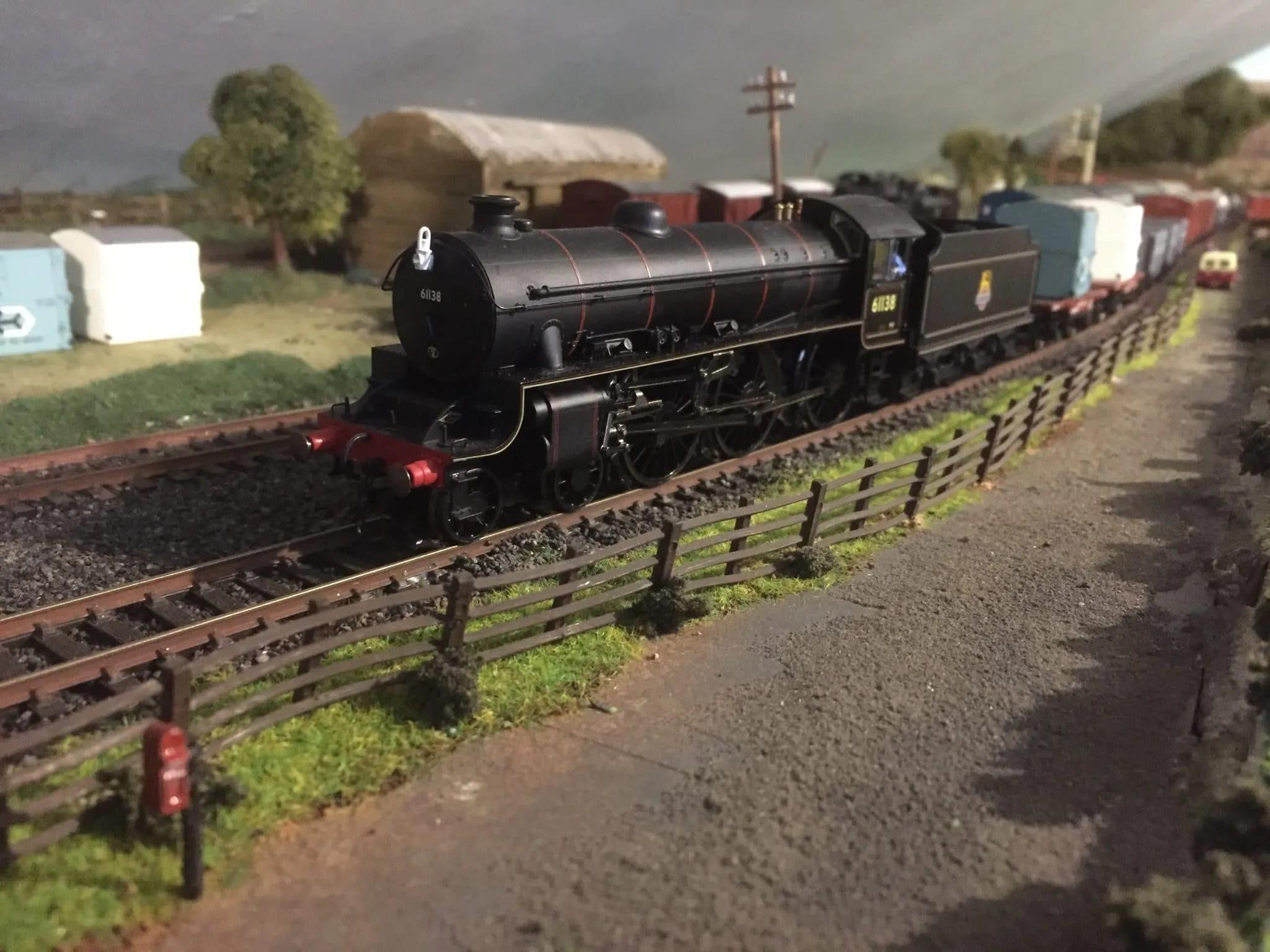Superb 00 Gauge Model Railway Layout With Steam Locomotive