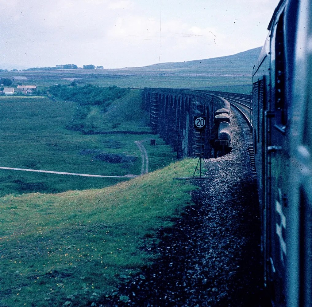 Class 45 - Ribblehead viaduct - railway photo