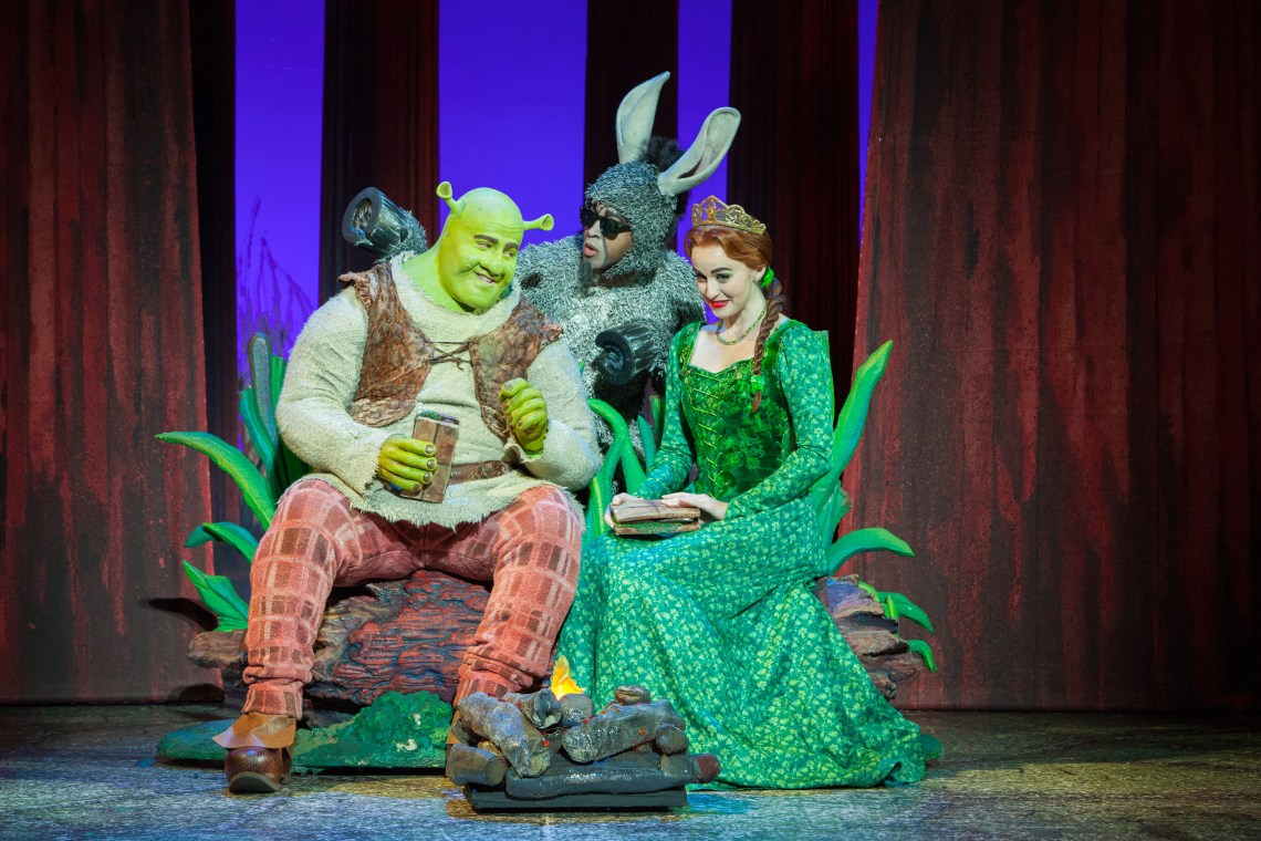 Make_A_Move_with_Perry_Sook_as_Shrek_ Jeremy_Gaston_as_Donkey_and_Whitney_Winfield_as_Fiona_L_vR