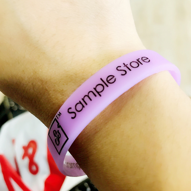 Sample Store Shopper's Paradise – Shopping and a lot more!