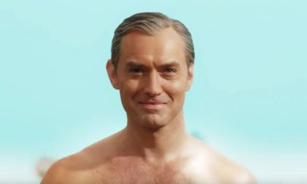"Jude Law di pacco nel Teaser di ""The Young Pope""."