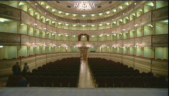 La cultura al tempo del covid: così il teatro si sposta online - Arte &  Cultura - TGR Trento