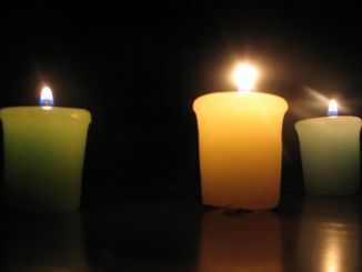 3 Small Candles