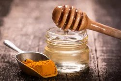 turmeric and honey for unwanted face hair