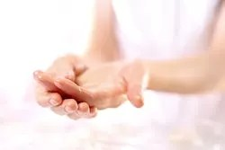 Massage dry hand regularly and get wrinkle free