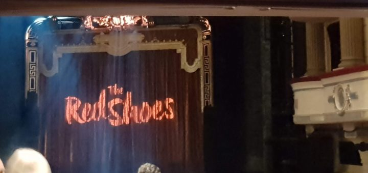 The Red Shoes, curtain