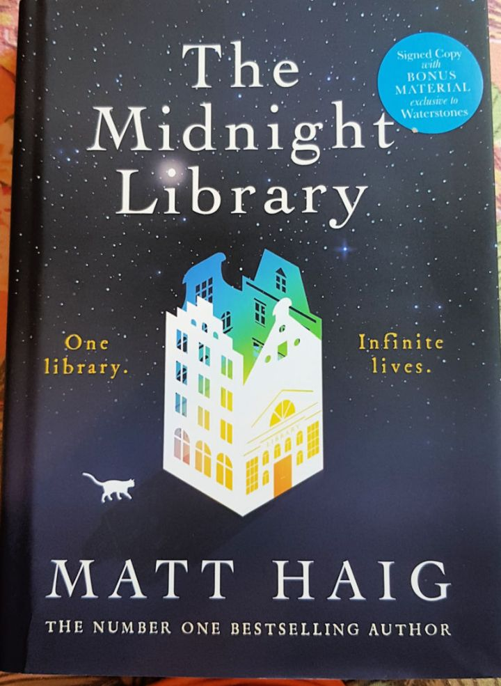 The Midnight Library, Matt Haig, front cover.