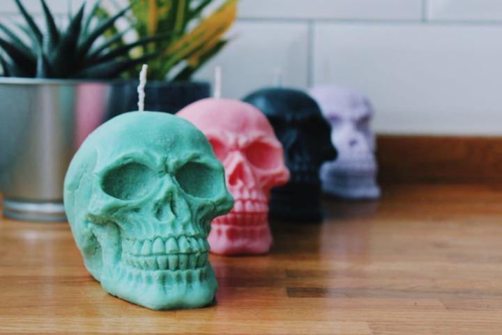 halloween skull candles.