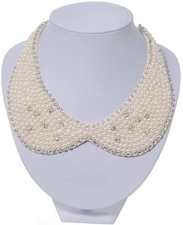 pearl collar shaped necklace