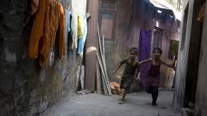Slumdog Millionaire Kids running in Dharavi